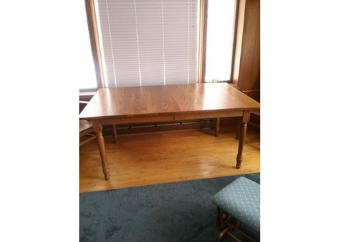 Dining Room Table, Captain's Chairs and Pads